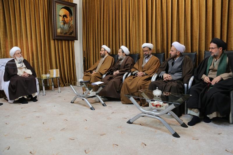 دفتر تبلیغات اسلامی زبان حوزه علمیه است.